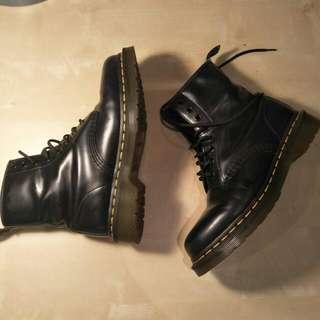 Dr Martens Classic Boots Size UK 5