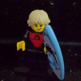 Lego Series 17, Professional Surfer