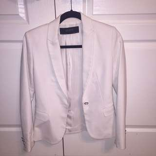 Small White Zara Slim Fit Blazer REDUCED ✨