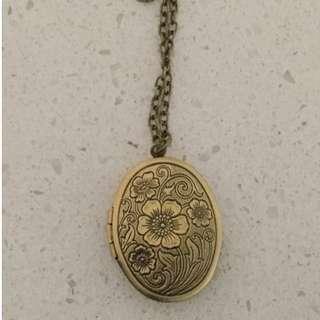 Locket Necklace.  BRAND NEW vintage antique brass locket