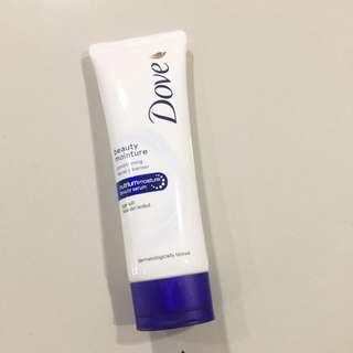 Dove Moisture - Facial Cleanser