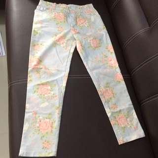 Celana Panjang Jeans Motif Bunga