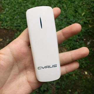 Cyrus Wifi Router dan Powerbank