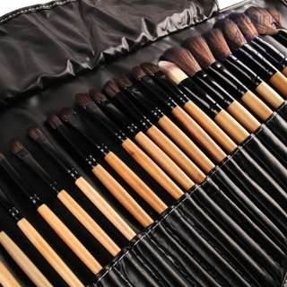 32 Professional Make Up Brushes Set !