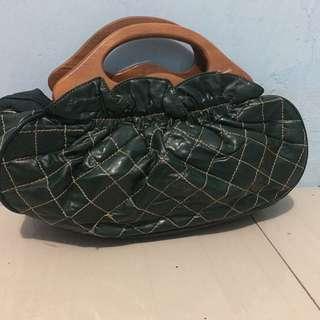 tas tangan warna hijau