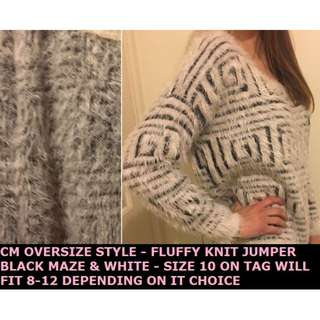 OVERSIZE FLUFFY KNIT - WHITE AND BLACK