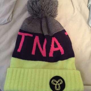 TNA Pom Pom Toque