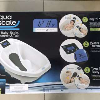 Aqua scale digital baby scale, thermometer and tub