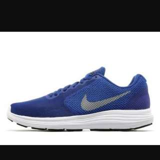 Nike Revolution Blue Size 6