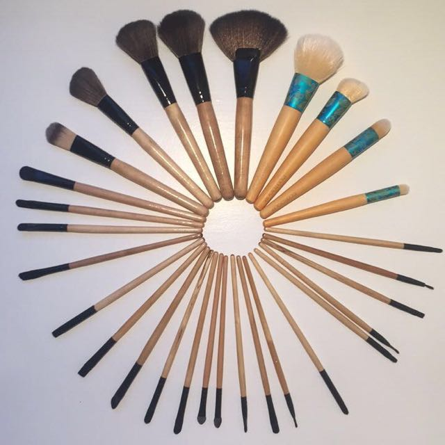 29 Piece Brush Set