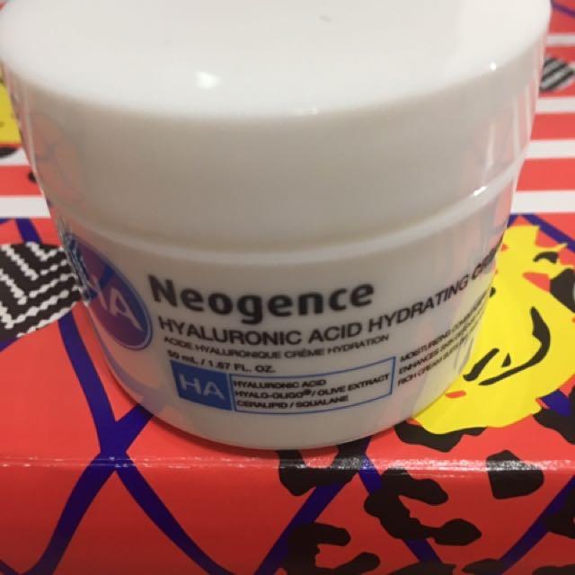 玻尿酸保濕乳霜