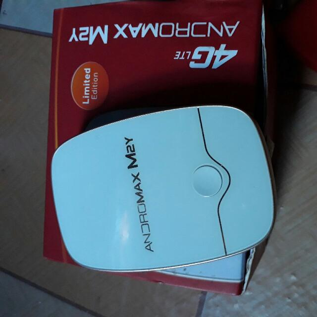 Andromax m2y limited edition warna putih