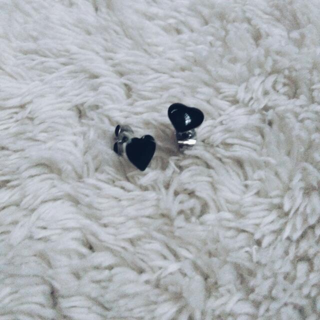 Black Hearts Stud Earrings