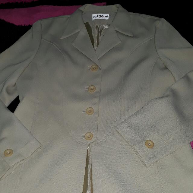 blazer warna gading