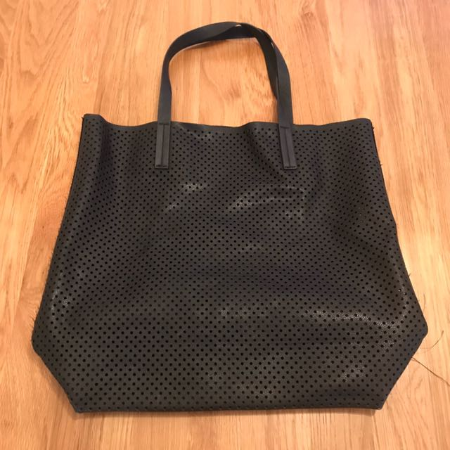 Country Road perforated Black Tote