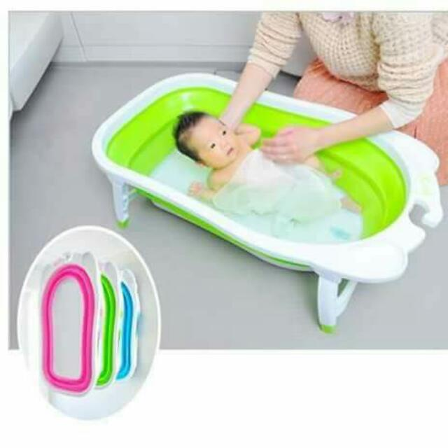 Foldable bathtub   -------------------------------------- Fold away design. Easy for storage. Non-slip legs. Heat sensitive drain for extra safety. Quick dry. Soft rubber material.