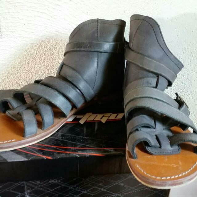 Gladiator Leather Flats, Size 8