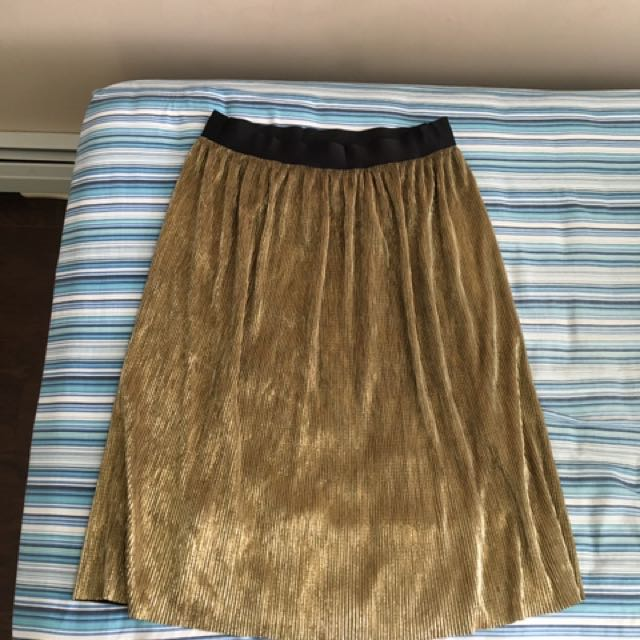 GUESS skirt - Size large