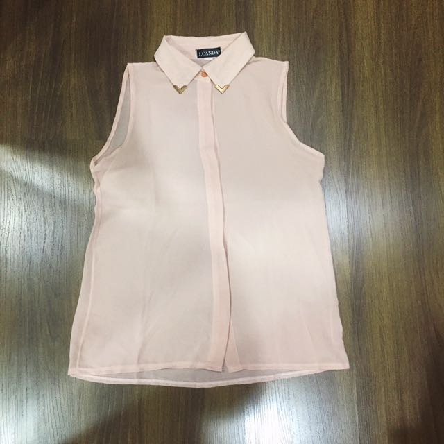Light Pink Top With Gold Collar Clip