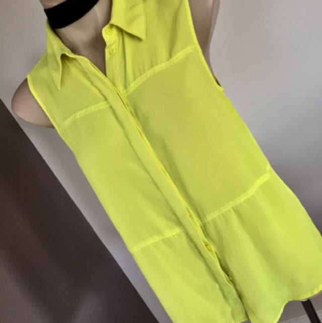 Mossimo Dutti Yellow Sleeveless Button Top Size 8 10 12