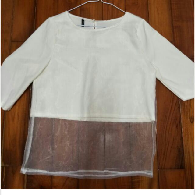 New 🎀白色半透上衣
