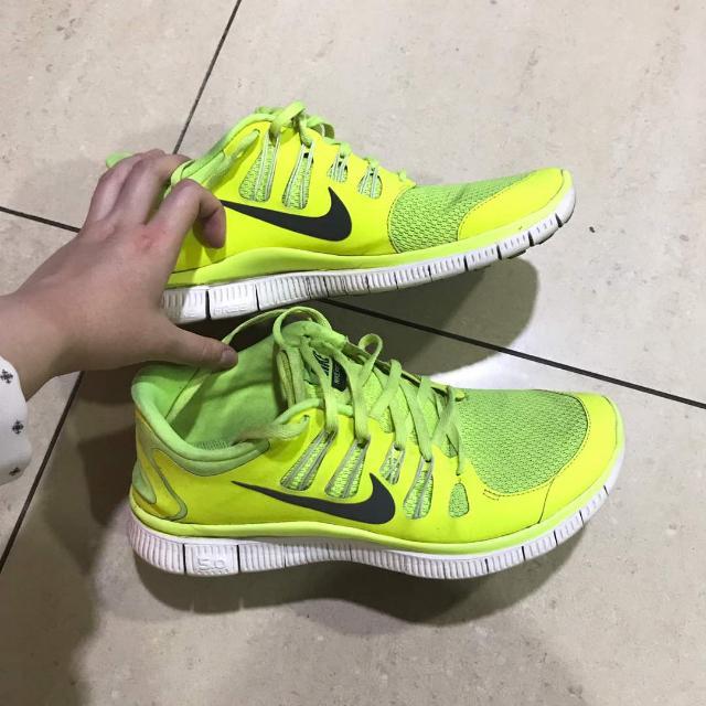 NIKE Running Shoes. ( Sepatu Olahraga NIKE)