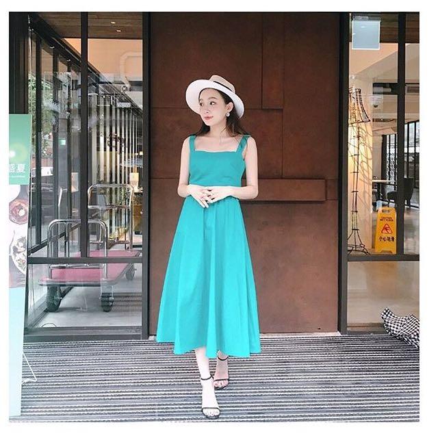 Pazzo 湖水綠質感洋裝