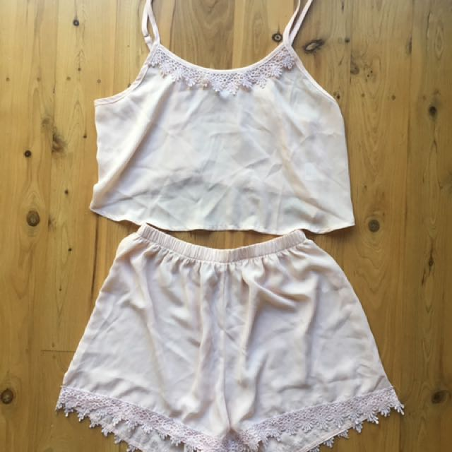 Pyjamas Size 8-10