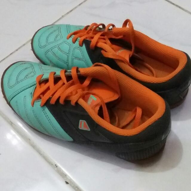 Sepatu Futsal By League