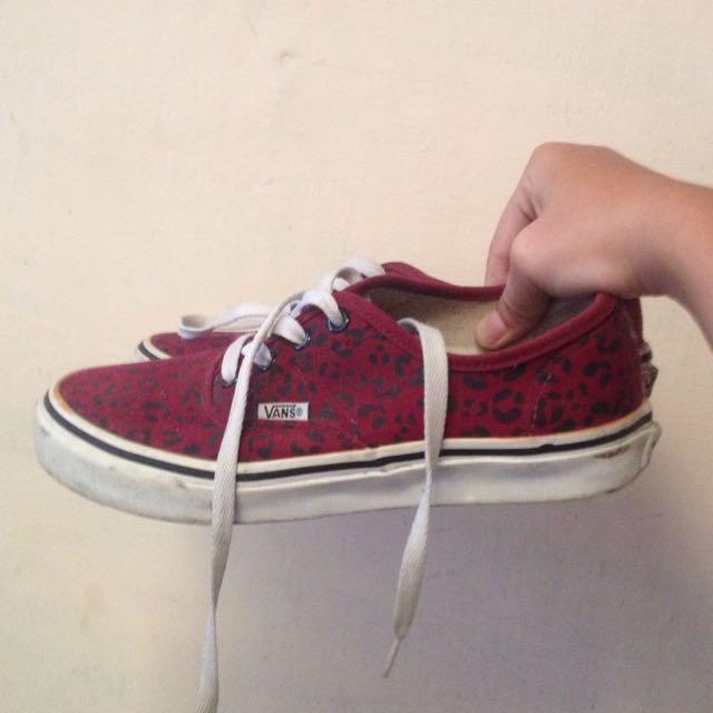 Sepatu Vans Doren