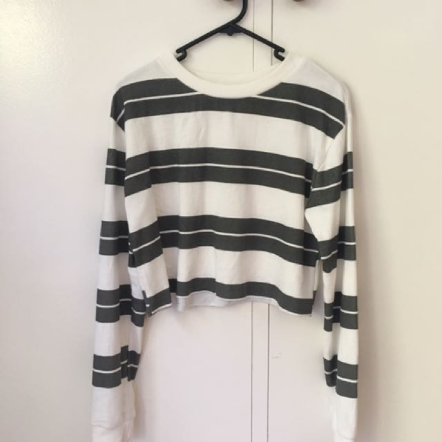 Size S (10) Jumper
