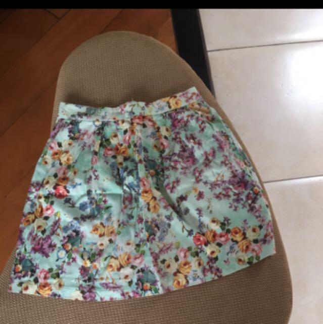 STRADIVARIUS Floral Skirt (RECOMMENDED)
