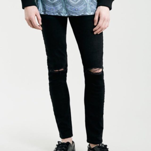 87da0a1eab7c TOPMAN Spray On Skinny Knee Ripped Jeans