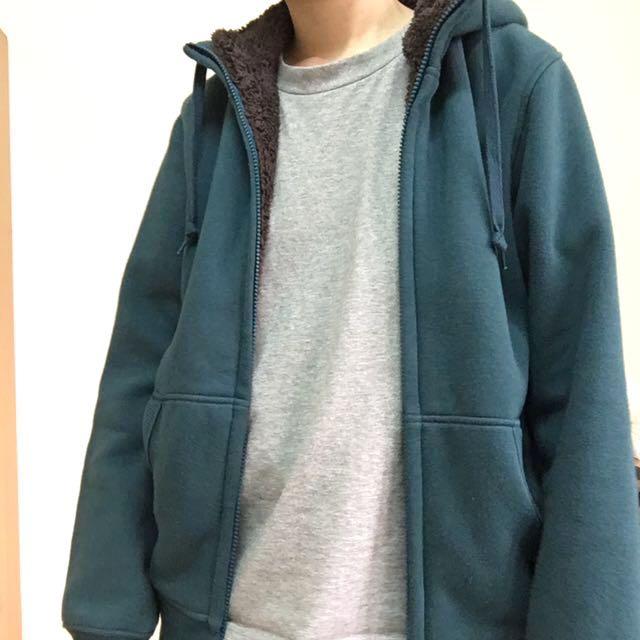 Uniqlo 內刷毛綠色連帽外套S