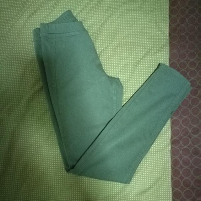 Uniqlo Legging Pants REPRICED