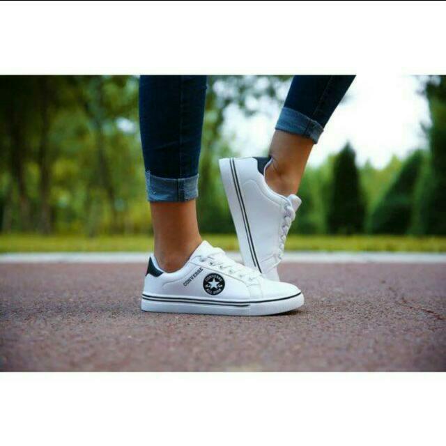 Unisex White Converse