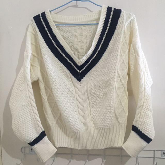 出國出清✨白色編織V領毛衣