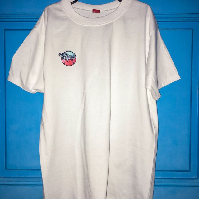 HYPE White Roundneck with Patch - California