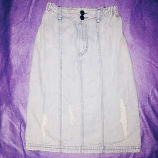 Faded maong skirt