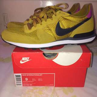 Nike Internationalist Size 9