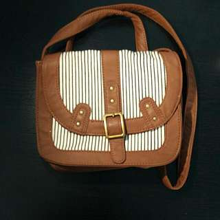 GARAGE Shoulder Bag