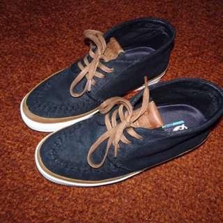Deuce Sneakers