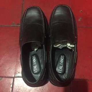 Auth Italianos Leather Shoes