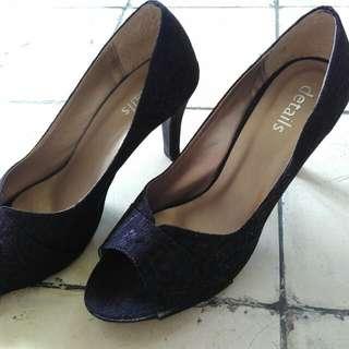 Details Black High Heels