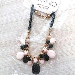 Monochrome Necklace