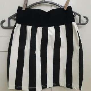Preloved Teenage Mini Skirt