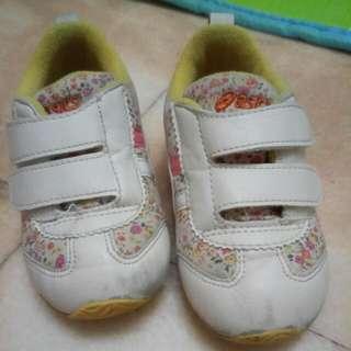 二手女童asics 15cm運動鞋