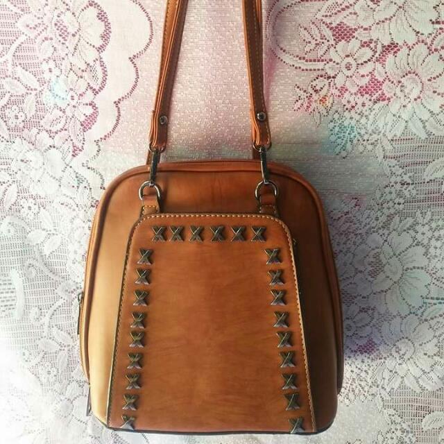 Charole Studded sling&backpack