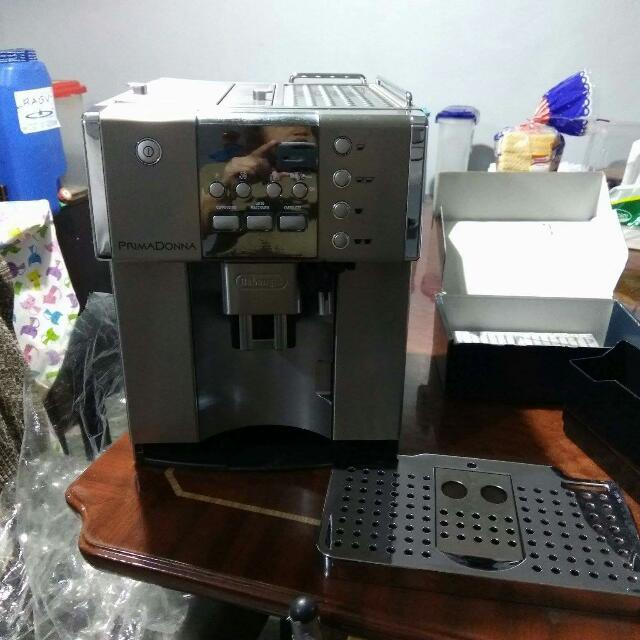 REPRICED: Delonghi Coffee Machine