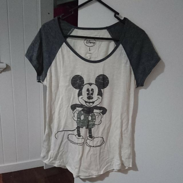 Disney Mickey Mouse Tee Size L